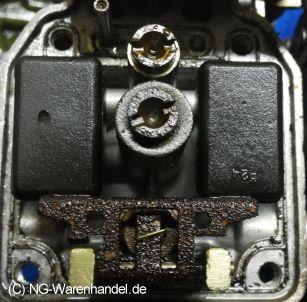 """Bild """"http://www.ninas-bikershop.de/bilder/ultraschallreinigungenbilder/xj750-vergaser-zerfressen-harze-stark.jpg"""""""